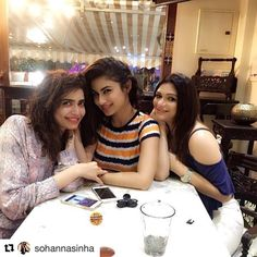 #Repost @sohannasinha with @repostapp ・・・ Chit chat and coffee time with my two pretties