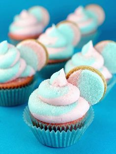 Cotton Candy Oreo Cupcakes with Oreo Garnish ~ Cotton Candy Oreo's are available now exclusively at Target! Oreo Cupcakes, Cotton Candy Cupcakes, Cotton Candy Party, Blue Cupcakes, Pastel Cupcakes, Yummy Cupcakes, Oreo Cookies, Cupcake Cookies, Gourmet Cupcakes