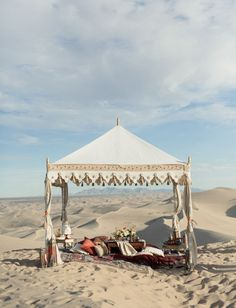 Moroccan wedding inspiration in the dunes