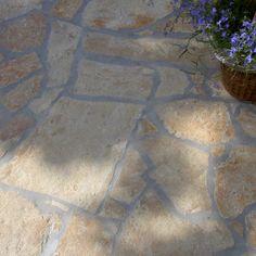 Gestapelde Natuurstenen Muren maken met vlakke Flagstones! Foto's Gabion Stone, Gabion Retaining Wall, Gabion Wall Design, Gabion Baskets, Stone Supplier, Baskets On Wall, Diy Wall, Tile Floor, Patio
