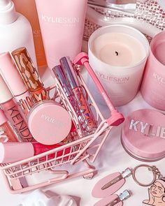 gorgeous shot of some of our favorite @kylieskin and kylie cosmetics goodies by @thebeautynewby 😍💕 Kylie Makeup, Satisfying Pictures, Makeup Remover Wipes, Beauty Companies, Cute Girl Face, Face Wash, Makeup Inspo, Beauty And The Beast, Kylie Jenner