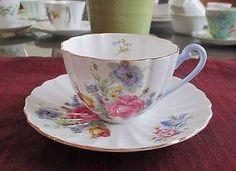 SHELLEY-Fine-Bone-China-GERMAN-ROSE-SPRAYS-Ludlow-shaped-cup-saucer