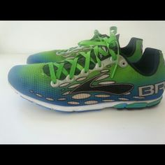 I just added this to my closet on Poshmark: Brooks Mach 7 running shoe. Price: $30 Size: 9