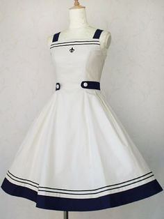 """igelzeit: """"♪ It's the time, of the season for ♪ sailor lolita and me to feel especially poor. god damn you, Victorian Maiden, why do you do this to me? Moda Lolita, Lolita Mode, Sailor Fashion, Lolita Fashion, Little Girl Dresses, Girls Dresses, Girl Outfits, Cute Outfits, Sailor Dress"""