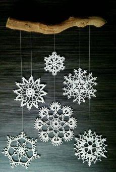 Crochet Snowflake Pattern, Christmas Crochet Patterns, Crochet Snowflakes, Crochet Flower Patterns, Crochet Art, Crochet Gifts, Crochet Motif, Crochet Christmas Decorations, Christmas Ornaments To Make