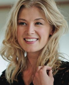 Rosamund Pike ( If you like my pins then pls. Follow my boards for more updates )