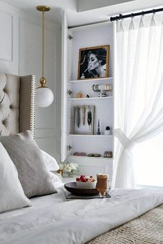 A Small Apartment Tour That Feels Anything but Tiny Shop domino for the top brands in home decor and be inspired by celebrity homes and famous interior designers. domino is your guide to living with style. Small Apartment Bedrooms, Apartment Bedroom Decor, Small Apartment Decorating, Small Apartments, Home Bedroom, Apartment Living, Small Spaces, Bedroom Ideas, Apartment Therapy