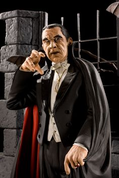 This piece is based on the James Bama cover art to the original Aurora model long box kit of Dracula. Classic Monster Movies, Classic Horror Movies, Classic Monsters, Cool Monsters, Famous Monsters, Dracula Film, Count Dracula, Art Sculpture, Sculptures