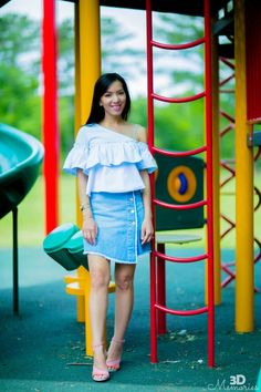 Button-up denim skirt & off-shoulder top