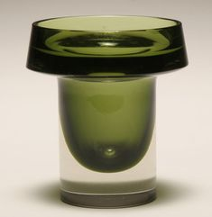 Kaj Franck for Nuutajarvi Notsjo, green glass sommerso vase, c.1960.