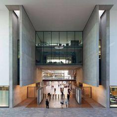 Central Saint Martins College of Art and Design, London photo John Sturrock