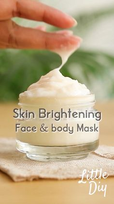 Homemade Face Moisturizer, Homemade Skin Care, Natural Moisturizer For Face, Homemade Body Butter, Beauty Tips For Glowing Skin, Clear Skin Tips, Face Skin Care, Diy Skin Care, Healthy Skin Tips