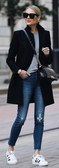black coat and grey crew-neck shirt with b.- black coat and grey crew-neck shirt with blue denim jeans. Pic… black coat and grey crew-neck shirt with blue denim jeans. Pic by Fashion Jackson. Fashion Mode, Look Fashion, Street Fashion, Trendy Fashion, Fashion Black, Dress Fashion, Fashion Clothes, Jeans Fashion, Ladies Fashion