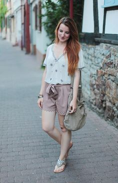 Summer Outfit #summer #fashion For tips + ideas, visit www.makeupbymisscee.com