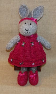 Marion Pieterse standard dress pattern little cotton rabbits pattern cabel dress SuzyMarie