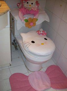 Bathroom Crafts, Bathroom Humor, Bathroom Sets, Bathroom Toilets, Kids Room Organization, Bathroom Organisation, Apple Kitchen Decor, Hello Kitty Collection, Baby Shop