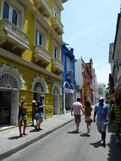 feelin' truly Caribean in this city, Cartagena Colombia!!!