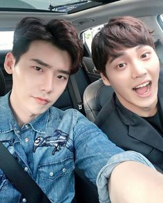 2016.07.22 Lee Jong Suk IG Update By @jongsuk0206 도윤이형.. 형이 경호원인데 운전은 왜 내가 해?   .. my brother is a bouncer. I'm not one to drive this ?
