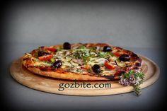 Тази пица с бекон и лук става много ароматна. За вкусът и каквото и да кажа, няма да е достатъчно. Направете я и ще се…
