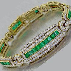 Vintage 6ct Columbian Emerald and 10ct G VS Diamond 18k Yellow Gold Bracelet