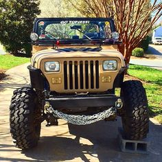"""YJ by Fox Thomas Brienza """" Haro Spyder Customs"""" hot damn Jeep Wrangler Pickup Truck, Jeep Wrangler Yj, Jeep Tj, Jeep Truck, Badass Jeep, Offroader, Wrangler Accessories, Old Jeep, Cool Jeeps"""