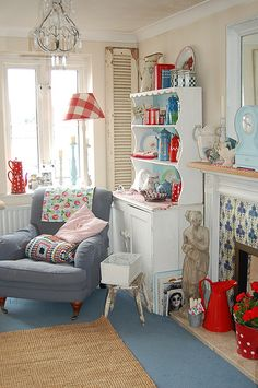 The Cottage Market: Take Aqua and Red Cottage Style Decor Thankfully have a neutral warm tan rug instead of blue. Love the chair! Cottage Style Decor, Red Cottage, Beach Cottage Style, Cottage Living, Country Decor, Home And Living, Living Rooms, Cozy Cottage, Farmhouse Decor