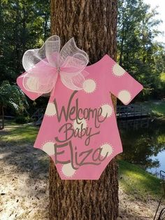 ITS A GIRL! The perfect way to announce your baby girl at hospital or home. Its hand painted and a clear coat will be applied to minimize fading and weathering. Ribbon print on the bows may vary depending on ribbon in stock. Just remember this will be made just for you so it Baby Shower Cakes, Idee Baby Shower, Shower Bebe, Baby Girl Shower Themes, Baby Shower Princess, Baby Shower Favors, Baby Shower Parties, Baby Boy Shower, Baby Shower Gifts