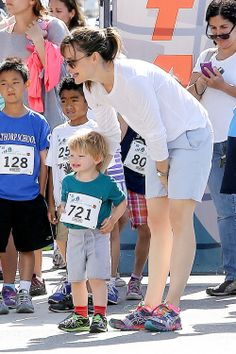 Jennifer Garner watches her kids Seraphina and Samuel run for a good cause on May 4, 2014