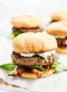 Bacon Goat Cheese Burgers with Honey and Arugula | www.cookingandbeer.com