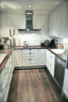 Awesome Tiny Kitchen Design For Your Beautiful Tiny House 560