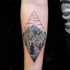 Scenic Geometric tattoo by Oliver Kenton San Francisco CA www.olivetattoos.tumblr.com insta @olivertattoos