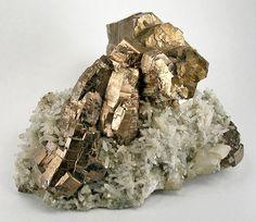 Pyrrhotite-Quartz-kw-tcq03a - List of minerals - Wikipedia