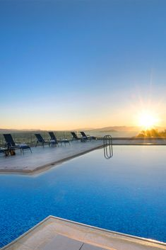Golden Key Villas are four Apartments with a common, sea view swimming pool, at about 6 km from the picturesque town of Chania. Most Beautiful Beaches, Beautiful Places, Romantic Vacations, Summer Vacations, Next Holiday, Family Holiday, Santorini House, Relax, Places