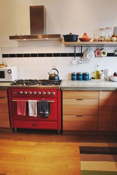 Cute and simple kitchen  Aricle: It's Probably Time for a Replacement: 8 Easy-To-Forget-About Household Items