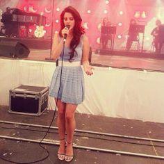 Lana performing at 'Melt! Festival' (July 15, 2012)