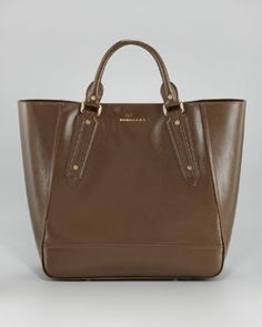 V17RR Burberry North-South Large Tote Bag