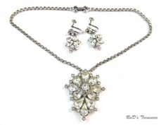 Vintage Brilliant Clear Rhinestone Necklace Screw Back Earrings SET Silver Tone