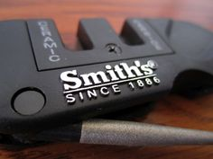 Smith's Pocket Pal | 8 Awesome Valentine's Day Gift Ideas For Your Outdoor Man | https://guncarrier.com/valentines-day-gift-ideas/