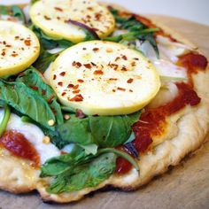 gluten free + guilt free pizza Gluten Free Pizza, Gluten Free Dinner, Gluten Free Recipes, Dairy Free, Clean Recipes, Veggie Recipes, Veggie Meals, Gluten Free Living, Foods With Gluten