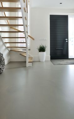 A cast floor is possible in every room. It immediately offers a warm welcome . - Epoxy Boden - A cast floor is possible in every room. It offers a warm welcome right away, even at the entrance t - Basement Renovations, Room, Screed Floors, House Flooring, Concrete Floors, Bars For Home, Epoxy Floor, Flooring, Residential Flooring