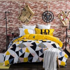 WWW.WINDEHOME.COMWAHTSAPP:+86-17682342543Email:kyo.liu@windehome.com3-piece and 4-piece 100% brushed cotton reactive print duvet covet set and bed sheet set with duvet cover bed sheet and 2 pillow sham Full/Queen/King Size OptionalFabric composition:100%cotton ,200TC,133*72, 32S…
