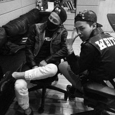 G-Dragon and Taeyang spotted in the studio, possibly for Big Bang's comeback? | http://www.allkpop.com/article/2014/05/g-dragon-and-taeyang-spotted-in-the-studio-possibly-for-big-bangs-comeback