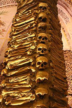 The BONE CHAPEL in Portugal - a UNESCO site off the beaten path http://www.heartofavagabond.com/evora-portugal/