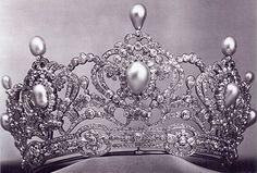 Diadema di perle e brillanti dell'Arciduchessa Maria Valeria d'Asburgo-Austria
