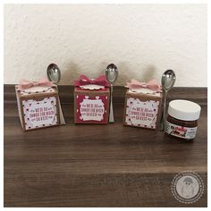 Stampin' Up! - kleine Geschenkschachteln mit Mini Nutella - Bellas Stempelwelt - Mini Löffel, Schleifenstanze, Liebesblüten