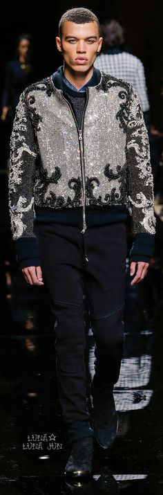 Supermodel: Dudley O'Shaughnessy@ Balmain Men's Fall Collection. Fashion Wear, Runway Fashion, Mens Fashion, Fashion Trends, Balmain Men, Balmain Paris, Urban Fashion, High Fashion, Christophe Decarnin