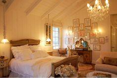 Little Green Notebook: Interesting Overhead Lighting in Bedrooms