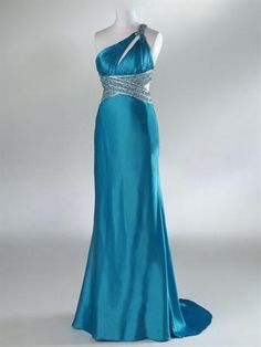 Gorgeous! Where was this dress when I was in high school?!?!