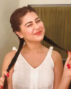 my shadow looks so much more stylish wtf Most Beautiful Models, Beautiful Lips, Aditi Bhatia, Hollywood Model, Indian Tv Actress, Pakistani Girl, Easy Hairstyles For Long Hair, Teen Actresses, Girl Photography Poses