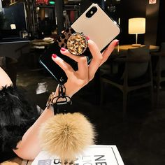 Leopard Airbag Bracket Case with Plush Ball For iPhone Bling Phone Cases, Iphone Phone Cases, Mobile Phone Cases, Phone Covers, Cell Phone Store, Modelos Iphone, Accessoires Iphone, Mobile Covers, Iphone Accessories
